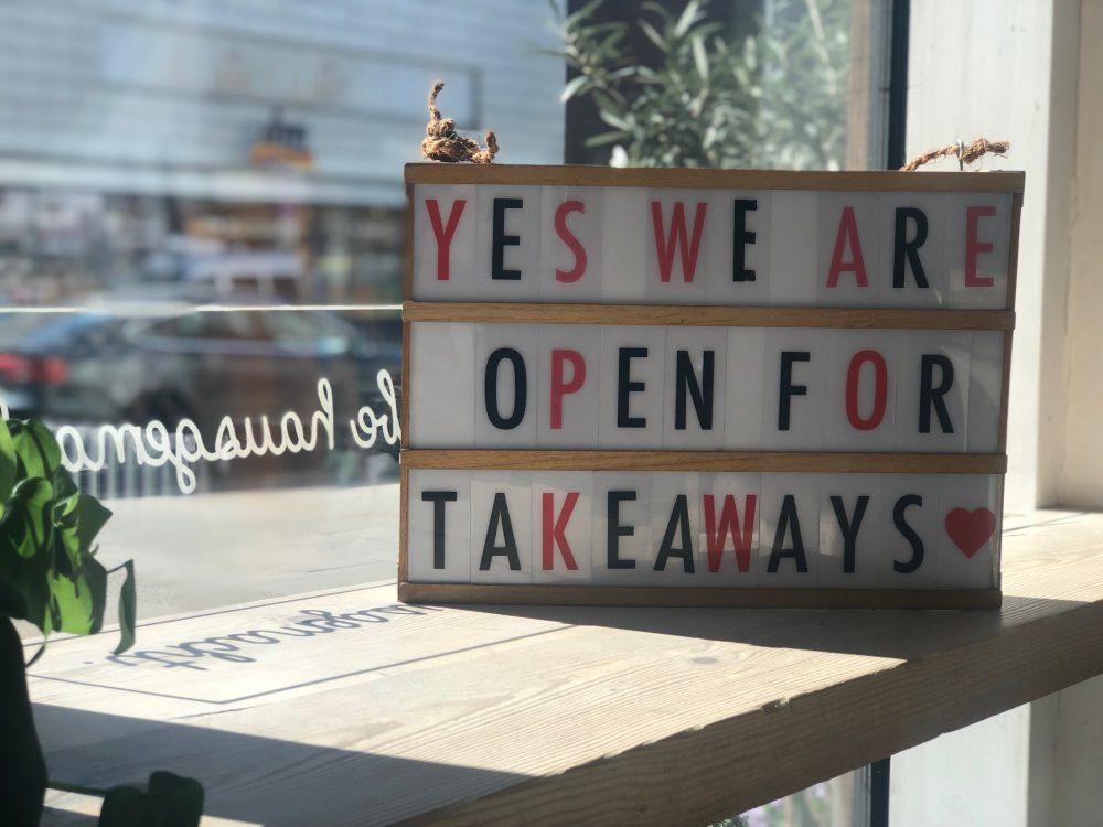<a href='#first_row'>Unsere Terrasse ist geöffnet- täglich von 11:30-22:00h. Wir freuen uns auf Euch! </a>
