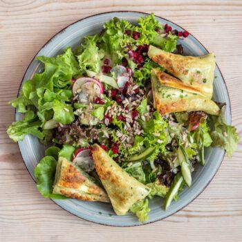 2187308_Alpenkantine_Food_SalatMitMaultaschen